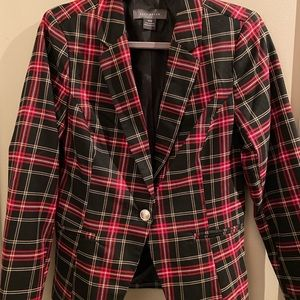 Checkered fitted blazer with detailed button